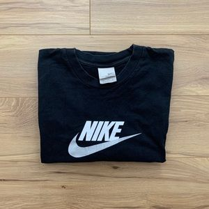 ▪️▫️Early 00s Nike Spellout Tee (Fits L)